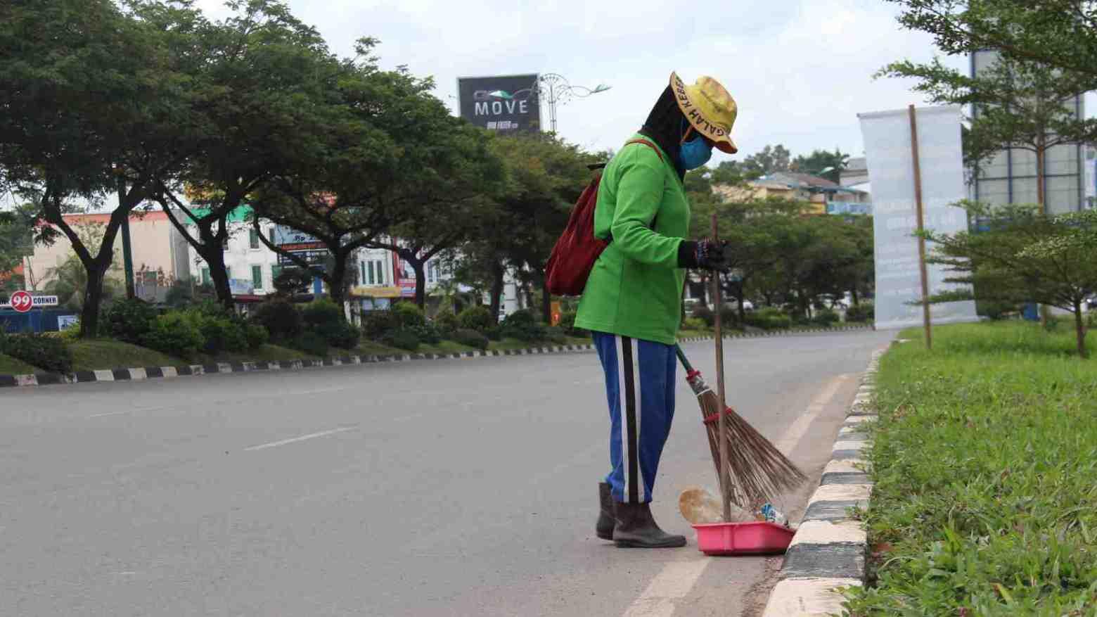 Pemkot Kendari Naikkan Gaji untuk Tingkatkan Kinerja Petugas Kebersihan